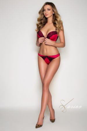 Vicky escort brunette from Casino London Models